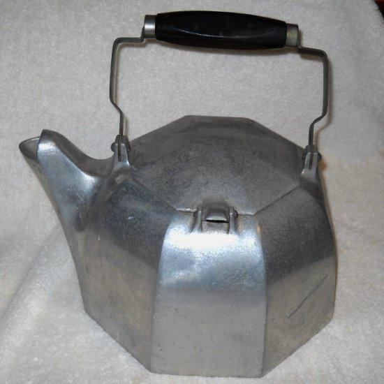 Vintage PURITAN WAGNER WARE 8 B SIDNEY O Aluminum Tea Kettle