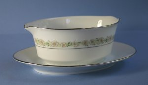 Noritake Trilby Gravy Boat with Attached Underplate