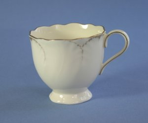 Mikasa China SIMPLY GOLD #AB001 Cup Only (Footed)