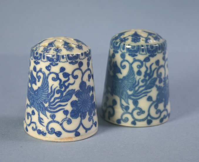 "Japan blue & white Phoenix Bird/Flying Turkey/Howo 2"" Salt and Pepper Set"