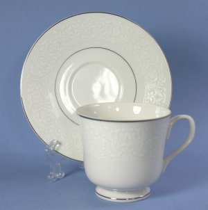 Carlton (Japan) PLYMOUTH #303 Cup and Saucer Set (Footed)