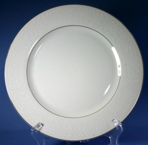 "Carlton (Japan) PLYMOUTH #303 10"" Dinner Plates"
