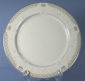 "Mikasa Fine China CAMILLE L9047 6"" Bread and Butter Plates"