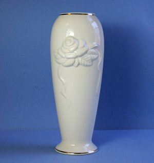 Lenox ROSEBUD COLLECTION 7&quot; Vase