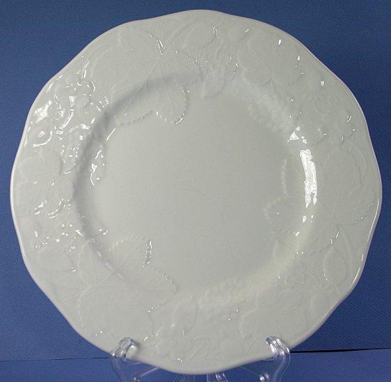 "Wedgwood STRAWBERRY & VINE (BONE) 8"" Salad Plate"