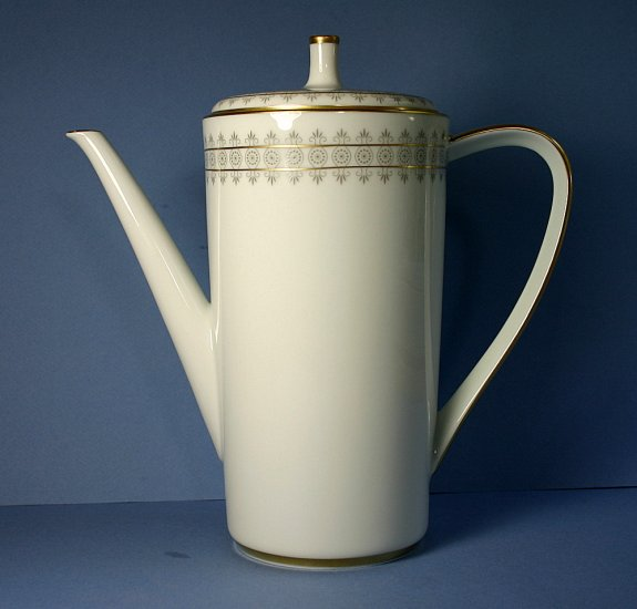 Lorenz Hutschenreuther (LHS) COVENTRY 9701 Coffee Pot and Lid