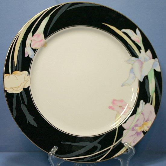 "Mikasa Charisma Black 12"" Chop Plate (Round Platter)"