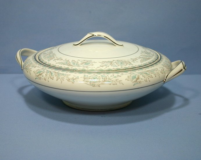 Noritake Belmont Round Covered Vegetable Bowl