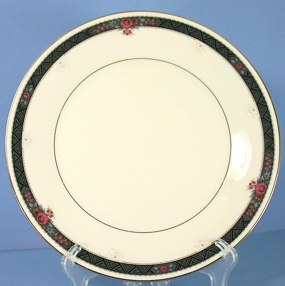 Noritake Etienne Dinner Plate