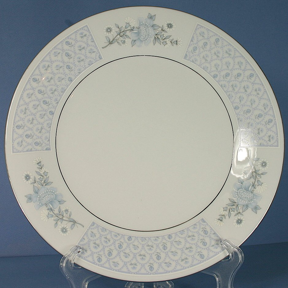 Liling Chateau Dinner Plate