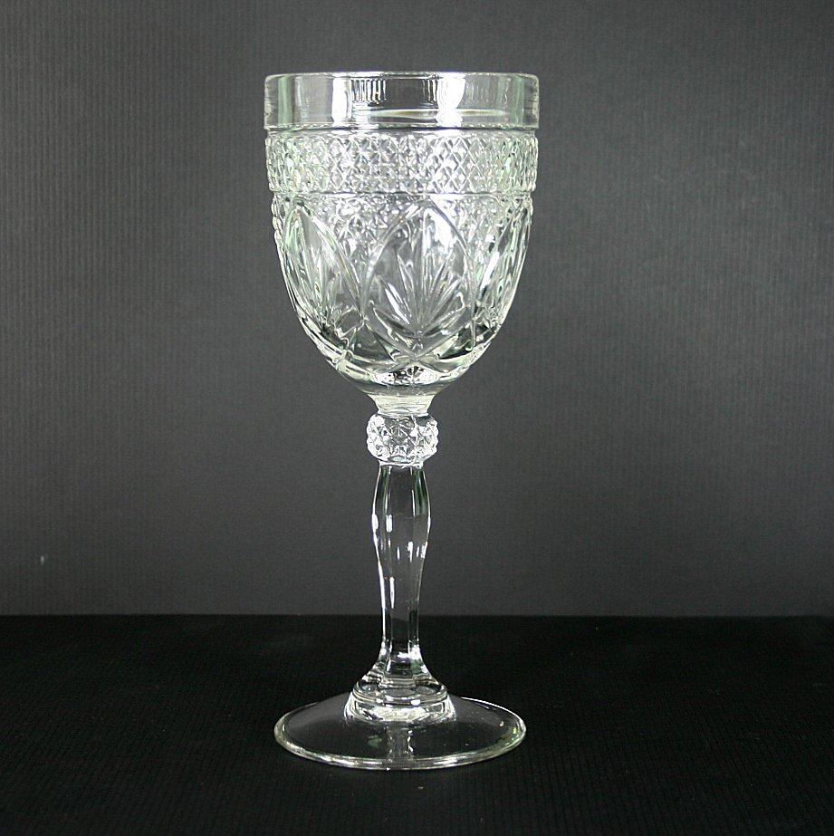 Cristal D'Arques Durand Antique Clear (Knob Stem) Wine Glass