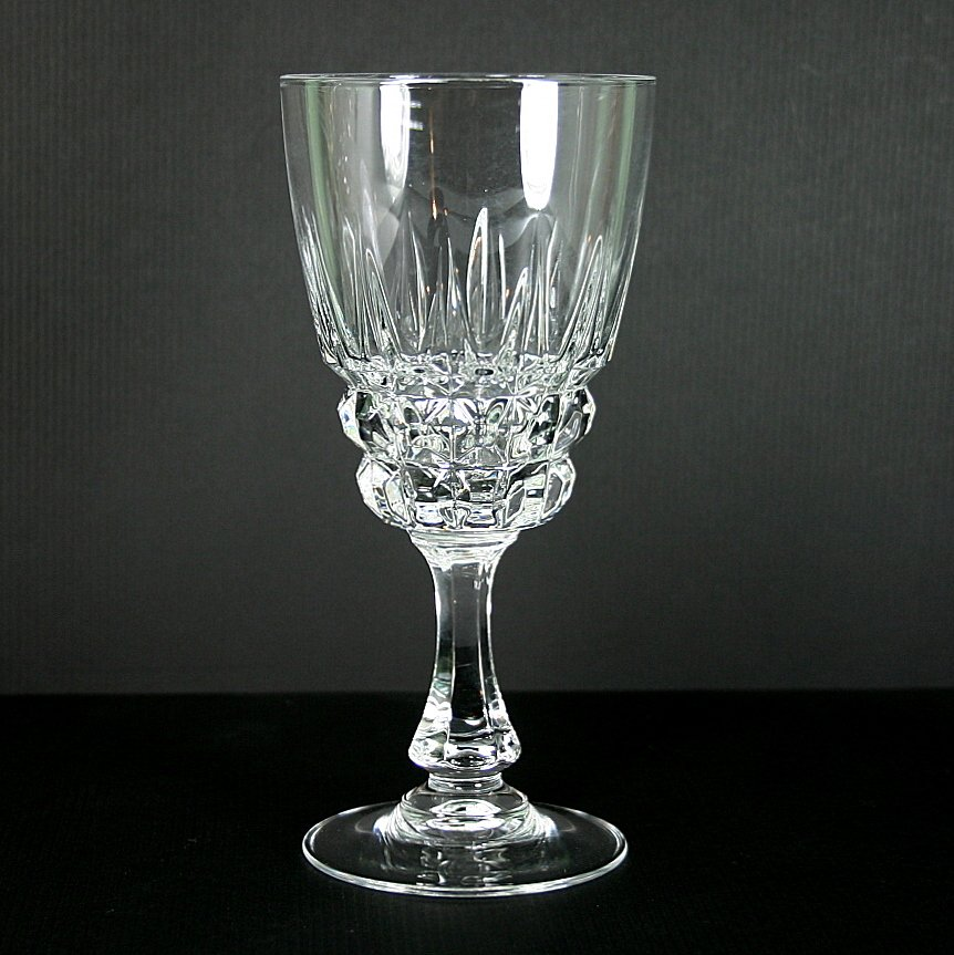 cristal d 39 arques durand pompadour water goblet. Black Bedroom Furniture Sets. Home Design Ideas