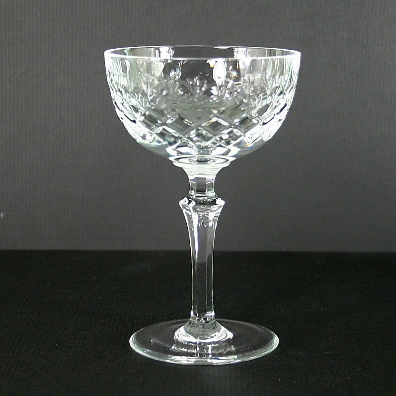 Bayel bordeaux thin knob stem champagne tall sherbet for Thin stem wine glasses