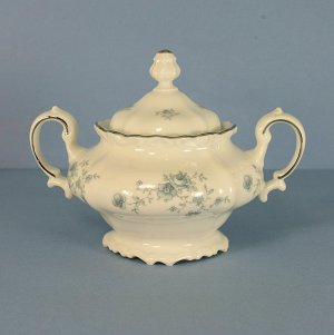 Johann Haviland (Bavaria) Blue Garland Sugar Bowl &amp; Lid