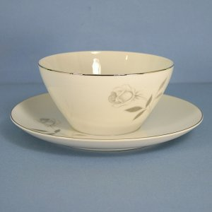 Mikasa Carla Gravy Boat and Attached Underplate