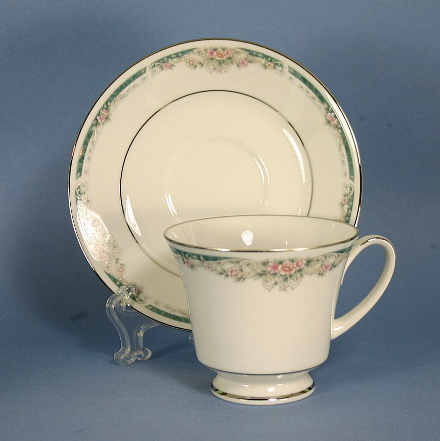 Noritake Enhancement Footed Cup & Saucer Set