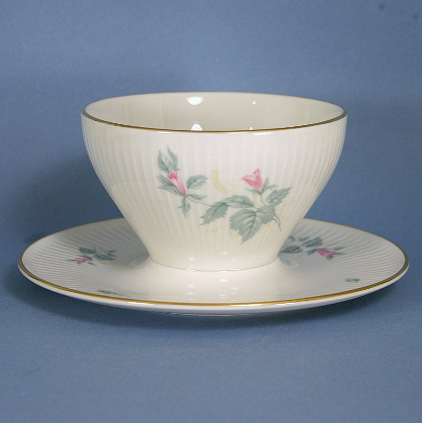 Thomas China 7555 Gravy Boat With Attached Underplate