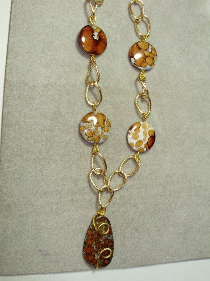 Chain with acrylic