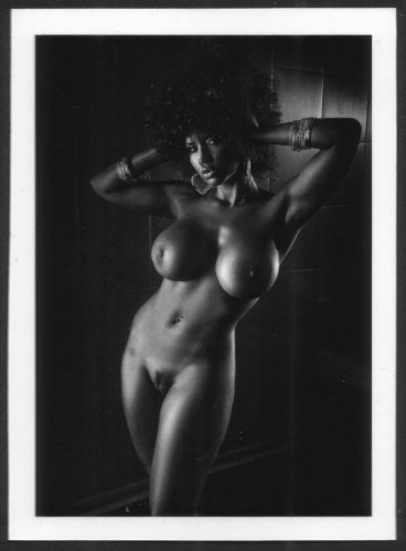 EBONY BABE CHARLII TURNER TOTALLY NUDE NEW REPRINT 5X7 #2CT