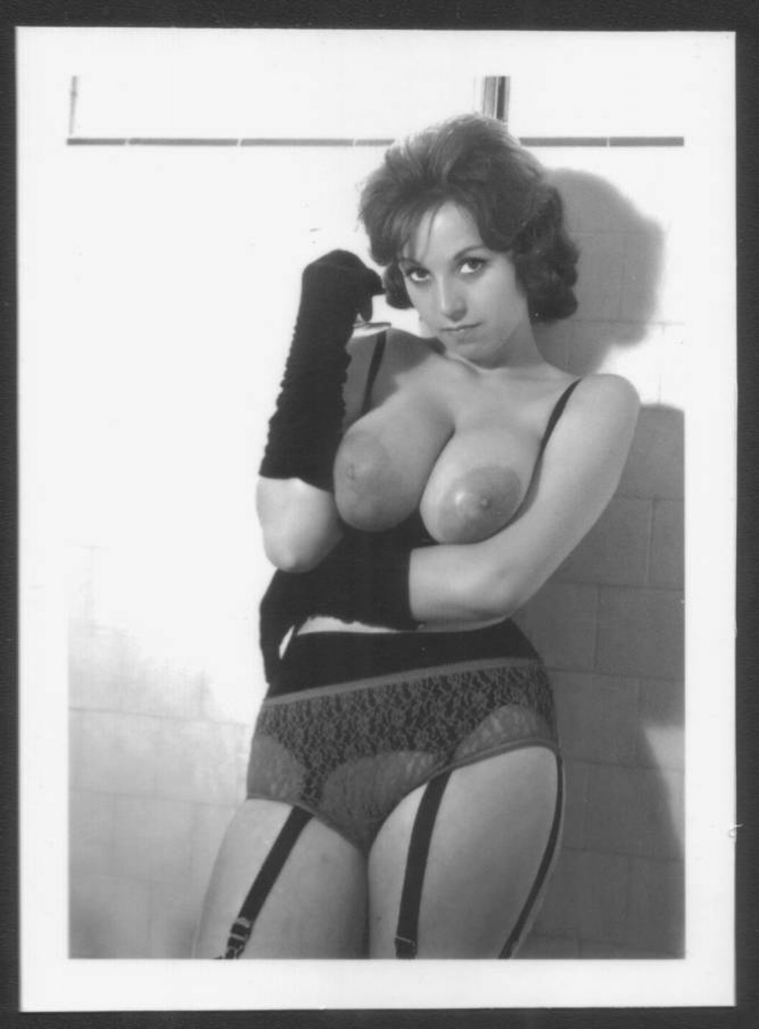 Julie Wills Williams Topless Nude Huge Heavy Hanging Breasts New Reprint X Jw