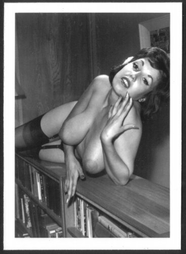 JULIE WILLS/WILLIAMS TOPLESS NUDE HUGE HEAVY HANGING BREASTS NEW REPRINT  5X7 JW-12