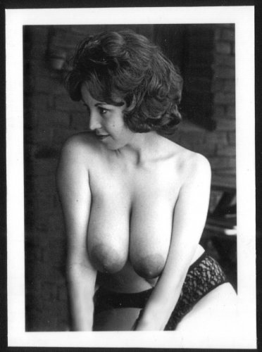 JULIE WILLS/WILLIAMS TOPLESS NUDE HUGE HEAVY HANGING BREASTS NEW REPRINT  5X7 JW-18