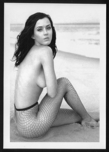 KATY PERRY BUSTY SIDEVIEW POSE NEW REPRINT  5X7   #4