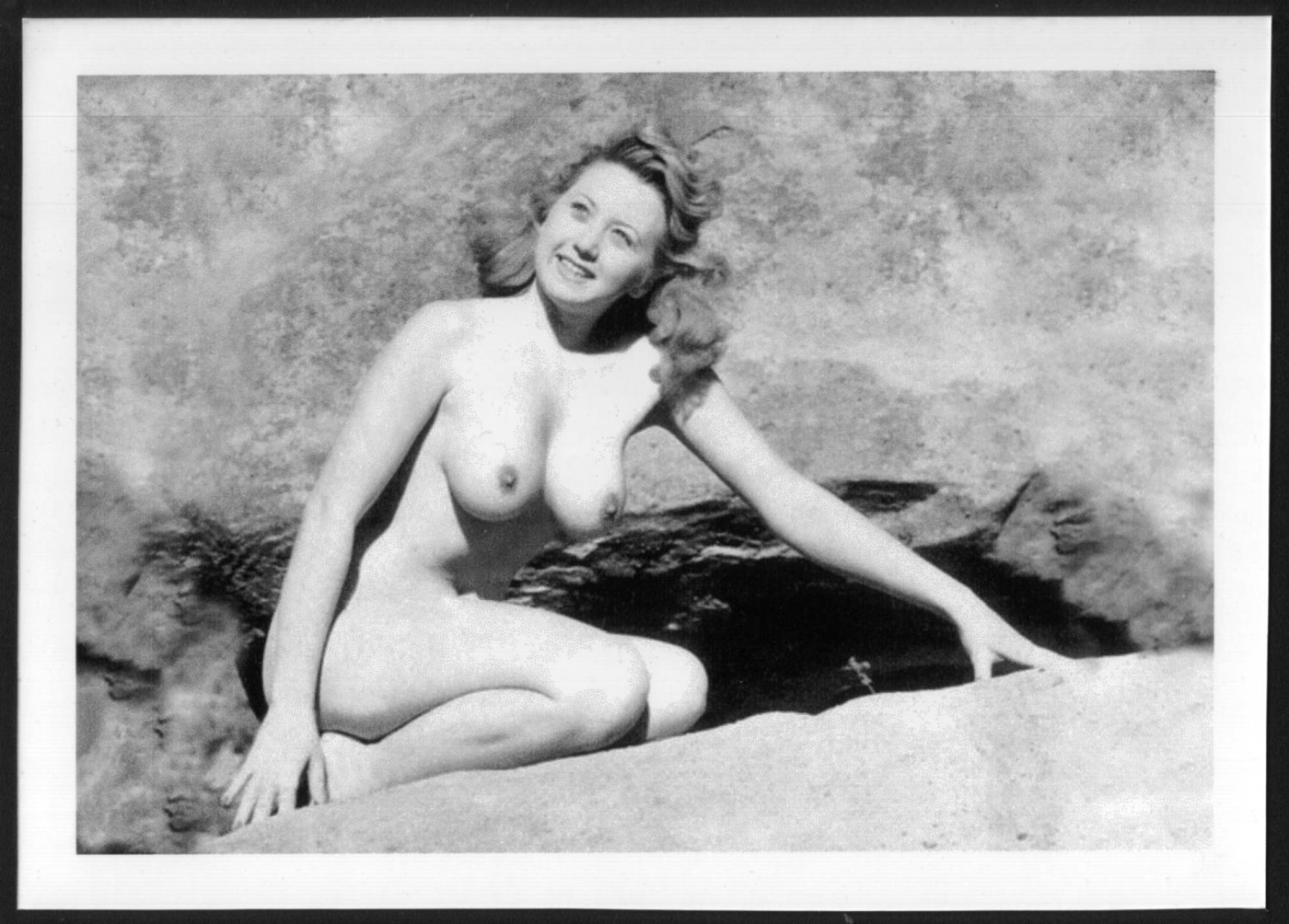 ACTRESS JOAN BLONDELL TOPLESS NUDE NEW REPRINT  5X7    JB-5
