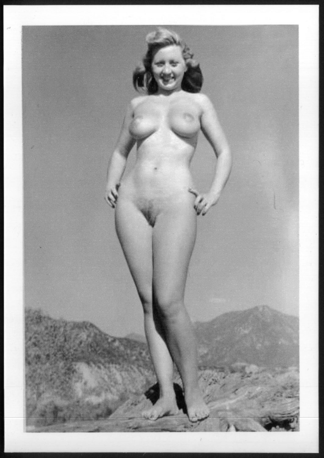 ACTRESS JOAN BLONDELL TOTALLY NUDE NEW REPRINT  5X7    JB-18