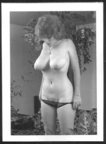 LISA DELEEUW TOPLESS NUDE REPRINT PHOTO 5X7 LD6