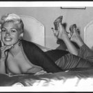 ACTRESS JAYNE MANSFIELD BOSOMY CLEAVAGE POSE NEW REPRINT PHOTO 5X7 #27