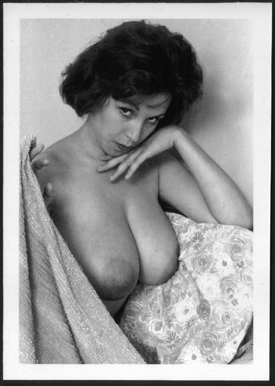 nude Julie Williams