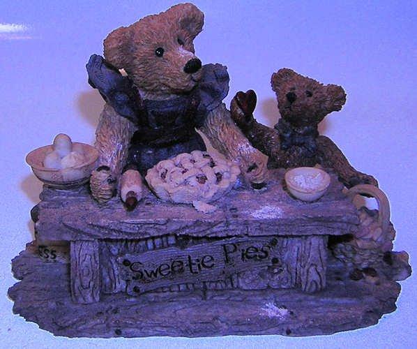 Boyds Bears Justina & M.Harrison 1993 Sweetie Pie Resin
