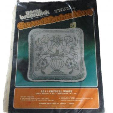 Yarns Brunswick Crewel Embroidery Kit 9511 Crystal White