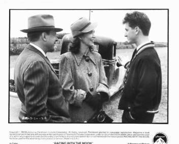 RACING WITH THE MOON John Karlsen, Rutanya Alda, Sean Penn 8x10 movie still photo