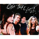 ONE TREE HILL CAST SIGNED 8X10 PHOTO (2) SIGNATURES COA