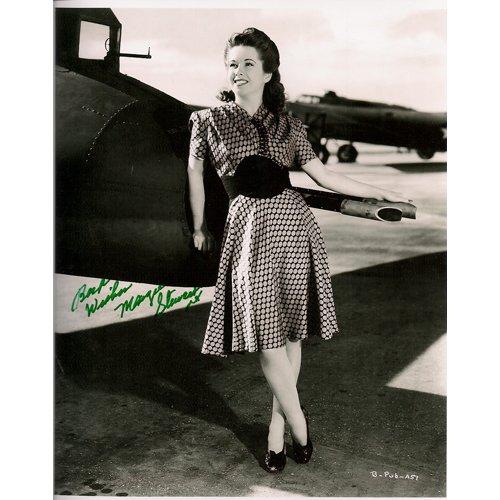 MARGIE STEWART SIGNED 8x10 PHOTO + COA
