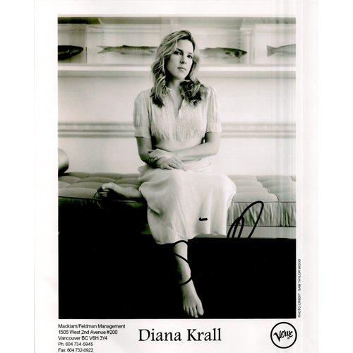 DIANA KRALL SIGNED 8x10 PHOTO + COA