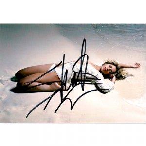 LATIN SINGER SHAKIRA SIGNED 4x6 PHOTO + COA