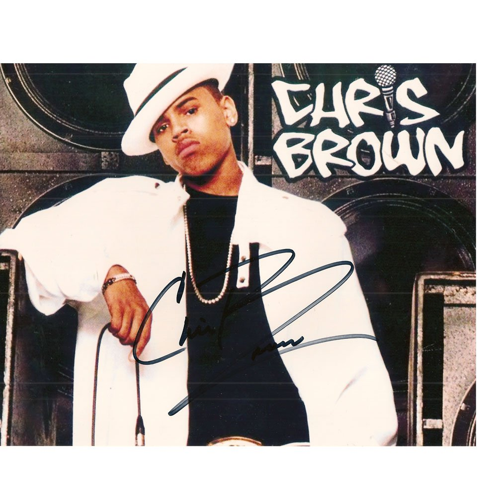 CHRIS BROWN SIGNED 8x10 PHOTO