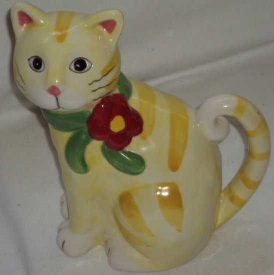 Yellow Kitty Cat Collectible Bud Flower Planter Figurine Sweet Kitten
