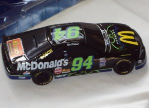 Bill Elliott Thunderbat #94 McDonalds 1:24 Diecast Stock Car Replica Piggy Bank with Key 1995 in Box