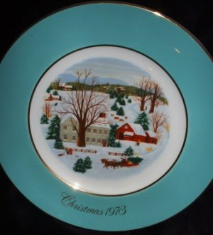 Avon Christmas Collector�s Plate by Enoch Wedgwood England First Edition Vintage 1973