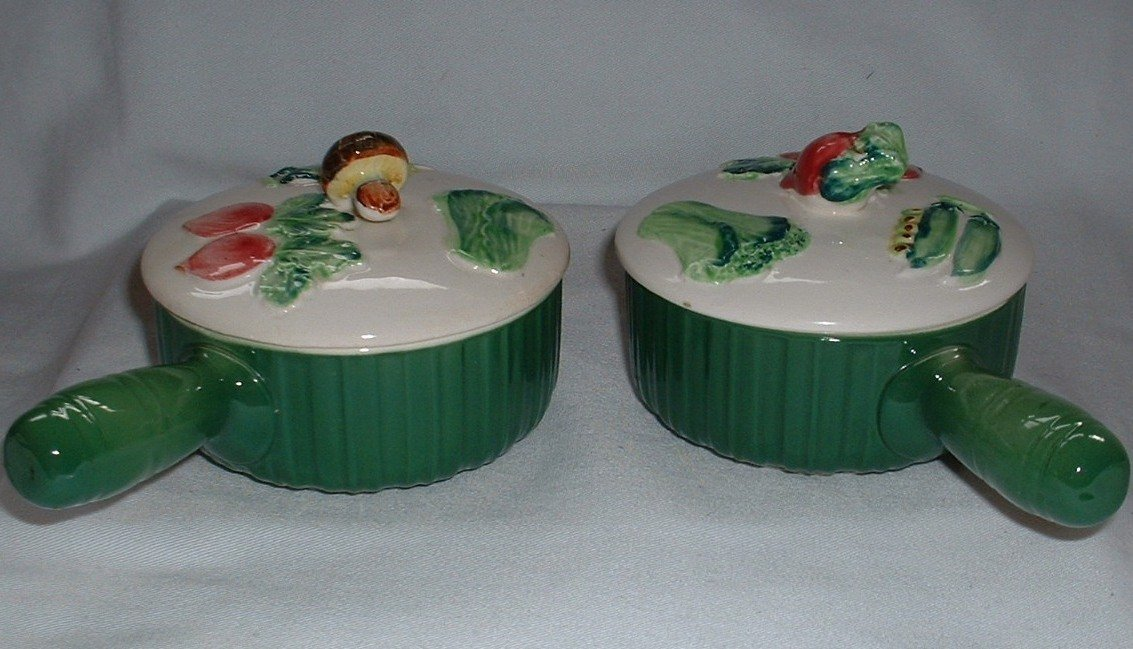 2 Vintage French Onion Soup or Bean Pot Covered Bowls