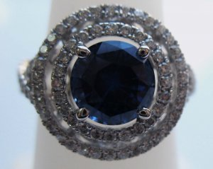 Elegant Sapphire Ring with Diamonds