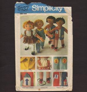 Simplicity 9137 Sewing Pattern 4 Cute Teaching Rag Dolls OOP 1970s