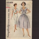 Simplicity 2549 Sewing Pattern One-piece Dress with full or straight skirts Bust 34 1950s