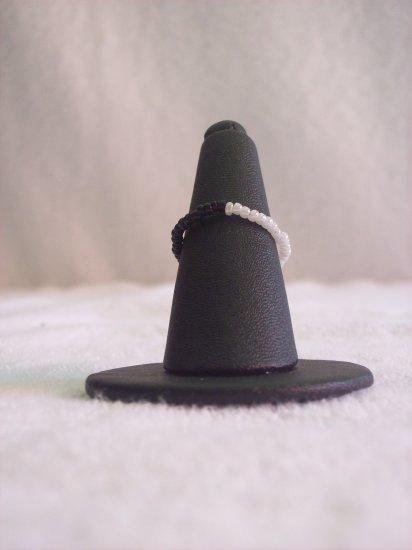Simple ring, half black half white
