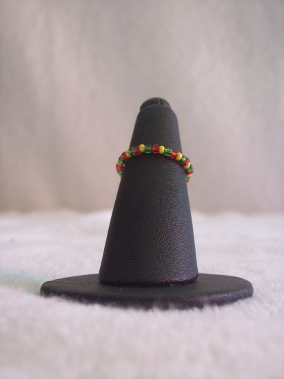 Simple ring, green, red and yellow