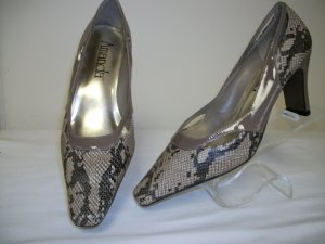 ladies snake design taupe pump by amanda - wide width, size 11w,2&quot; heel